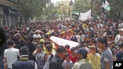大馬士革附近的反總統阿薩德遊行。