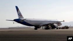 러시아 우랄 항공 소속 여객기가 이집트 샤름엘셰이크 공항 계류장에 서 있다. (자료사진)