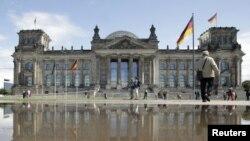 Berlin'deki Federal Alman Parlamentosu Reichstag