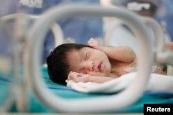 Rumah sakit menemukan jejak morfin dalam urine bayi-bayi dan melaporkan kepada polisi. (Foto: ilustrasi).