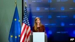 Đại sứ Hoa Kỳ tại Liên hiệp quốc Samantha Power nói về vấn đề dịch bệnh Ebola ở Brussels, 30/10/14