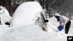 2013年2月9日﹐美國東北部地區包括新罕布什爾州受到大風雪襲擊﹐一夜間降雪超過兩米。