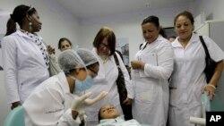 Médicos cubanos em Brasília