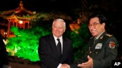 2011年1月徐才厚副主席在北京钓鱼台国宾馆会见美国国防部长盖茨