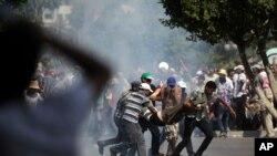 Egipatska vojska je otvorila vatru na demonstrante koji podržavaju svrgnutog predsednika Mohameda Morsija, 5. jul 2013.