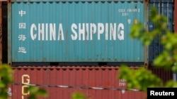 美國波士頓港口來自中國的集裝箱