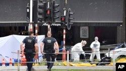 比利時東部城市列日星期二(5月29日)發生槍擊。警方在現場調查。