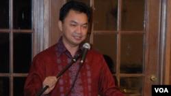 Dalam pidatonya di depan komunitas Indonesia, Dino Patti Djalal memaparkan kerangka kerjanya nanti sebagai Duta Besar RI untuk AS. Ia akan resmi menjabat sebagai duta besar di Amerika ini setelah menyerahkan kredensialnya kepada Presiden Barack Obama pada