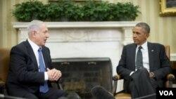 ປະທານາທິບໍດີ ສະຫະລັດ ທ່ານ Barack Obama (ຂວາ) ແລະນາຍົກລັດຖະມົນຕີອິສຣາແອລ ທ່ານ Benjamin Netanyahu (ຊ້າຍ)