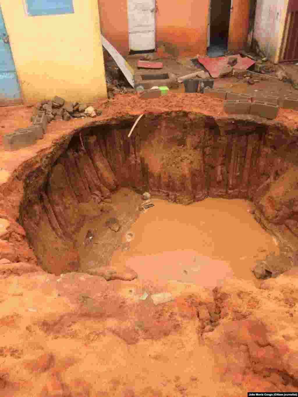 Chuva causa cratera em bairro de Luanda