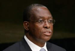 Negócios de governantes angolanos envenenam relações com Portugal, dizem analistas