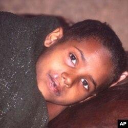 ເດັກນອ້ຍທີ່ເປັນໄຂ້ມາເລເຣຍຊະນິດກັນດານ ຢູ່ໃກ້ເມືອງ Alem Kitmama ທາງຕາເວັນອອກສຽງເໜືອຂອງແຂວງ Addis-Abeba, ປະເທດ Ethiopia. (WHO/P. Virot)