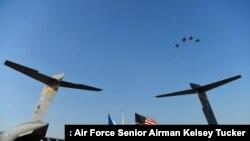 지난 2018년 8월 한국 오산공군기지에서 한국전 참전군인 유해 송환식이 열렸다. (자료사진)
