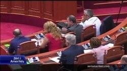 Shqipëri: Debat në parlament