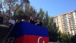 Osman Kazımov mitinqdə çıxış edir