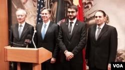 从左至右:崔天凯大使、布林肯副国务卿与穆希卜大使