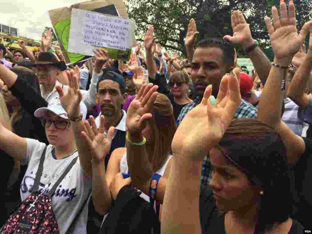 La convocatoria fue acompañada por la coalición opositora Mesa de la Unidad Democrática (MUD). Foto: Álvaro Algarra.