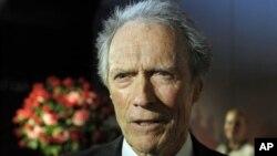 Aktor dan Sutradara Film Clint Eastwood mendukung Mitt Romney sebagai capres AS dari partai Republik dalam acara penggalangan dana di Sun Valley, Jum'at, 3 Agustus 2012 (Foto: dok).