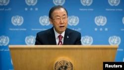 반기문 유엔 사무총장이 25일 미국 뉴욕에 있는 유엔 본부에서 내년 1월 22일 시리아 평화회담 개최 계획을 밝히고 있다.