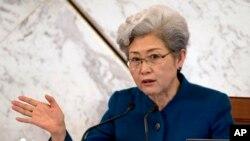 중국의 푸잉 전국인민대표대회 대변인이 4일 열린 전인대 개막 기자회견에서 발언하고 있다.