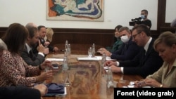 Evroparlamentarci sa predsednikom Srbije Aleksandrom Vučićem (foto Fonet)