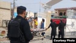 خود کش دھماکے سے قبل پولیس چوکی پر فائرنگ کی گئی تھی۔