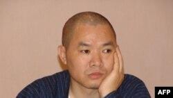 Ông Nhiễm Vân Phi nổi tiếng vì chỉ trích thường xuyên chính sách của chính phủ và kêu gọi dung thứ những quan điểm bất đồng