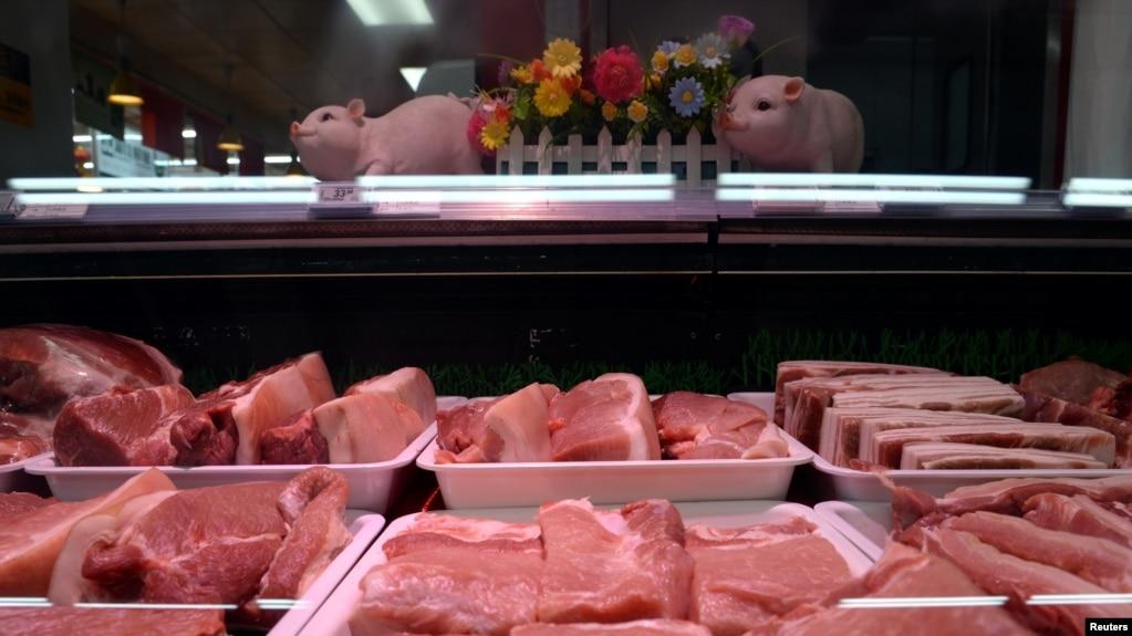 Thịt heo bày bán ở Trung Quốc.