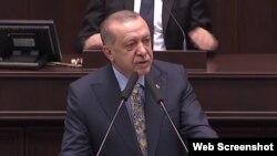 Presiden Turki Recep Tayyip Erdogan berjanji akan mengungkapkan rincian kematian Khashoggi dalam pidato, Selasa, 23 Oktober 2010.(Foto: screenshot/TRT TV).