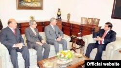 وزیراعظم راجہ پرویز اشرف نے ملاقات کرنے والے پاکستانی سفراء