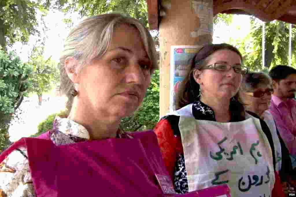 ہڑتالی کیمپ میں شریک امریکی مظاہرین