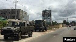 Un convoi militaire à Libreville, la capitale du Gabon, le 24 septembre 2016.