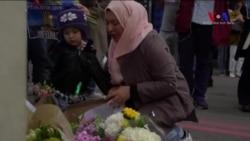 Londra'daki Saldırıda Ölenler İçin Müslümanlar da Çiçekler Bırakıyor