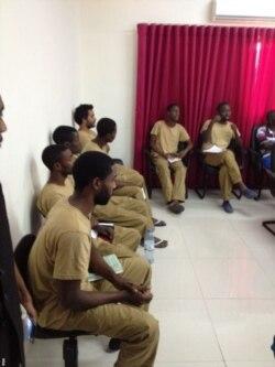 Serviços Prisionais admitem restringir visitas aos activistas angolanos - 2:59