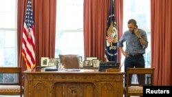 3月1日,美國總統奧巴馬在白宮通過電話和俄羅斯總統普京就討論烏克蘭問題。