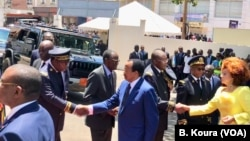 Pirezidaanti Paul Biyyaatti filannoo dhufee bulchoota achitti argelleen akkana nagaa fuudha(mana barumsa Bastos Bastos, Yaounde)
