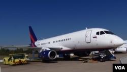 俄罗斯想把民用客机打入印度市场。2015年莫斯科航展上展出的超级100喷气机。