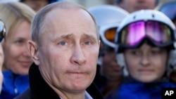Russian President Vladimir Putin visits Rosa Khutor Alpine Center outside the Black Sea resort of Sochi, Feb. 6, 2013.