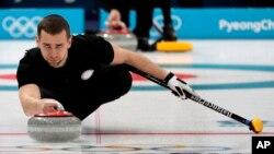 Pelatih Rusia Alexander Krushelnitsky berlatih menjelang Olimpiade Musim Dingin 2018 di Gangneung, Korea Selatan, 7 Februari 2018. (Foto: dok)