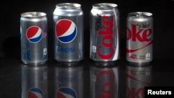 Berbagai minuman ringan rendah kalori. ujuh perusahaan minuman ringan utama termasuk Coca-Cola dan PepsiCo akan membatasi kandungan gula dalam produk yang dijual di Singapura. (Foto:Reuters/dok)