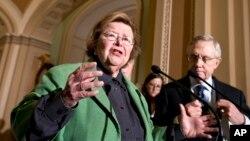 La senadora Barbara Mikulski, presidenta de la Comisión de Apropiación del Senado, fue una de las autoras del acuerdo.