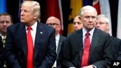 Дональд Трамп и Джеф Сешнс