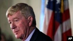 بیل ولد، ۷۳ ساله، شصت هشتمین فرماندار ماساچوست در سالهای ۱۹۹۱ تا ۱۹۹۷ بود.