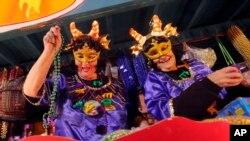 El desfile de Mardi Gras marca el fin de la temporada de Carnaval y este año celebra los 300 años de fundación de Nueva Orleáns.