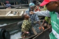 Malama Asabe Ali Komblon Ta FOMWAN A Borno Kan Gangamin Polio - 2:56