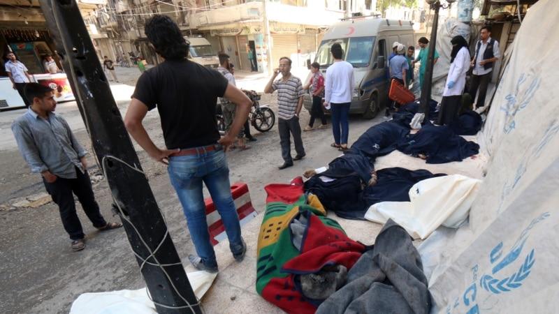 Rights Group: Syrian Barrel Bombs Kill 71
