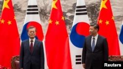 中國國家主席習近平和南韓總統文在寅在人民大會堂(2017年12月14日)
