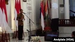 Presiden Jokowi memberikan sambutan pada Raker Kemlu 2015, di Gedung Pancasila Kementerian Luar Negeri RI Jakarta, 2 Februari 2015. (Foto: VOA/Andylala)