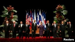 Các nhà lãnh đạo của 7 nước Châu Mỹ La tinh cùng tham gia diễn đàn với Tổng thống Obama tại San Jose, Costa Rica, ngày 3/5/2013.