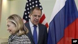 Američka državna sekretarka Hilari Klinton i ruski ministar inostranih poslova Sergej Lavrov, danas u Sankt Peterburgu